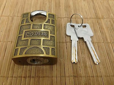YUEMA 750- 50mm *Guarded Shackle* Padlock! 360° Spinning Core + 2 Keys!