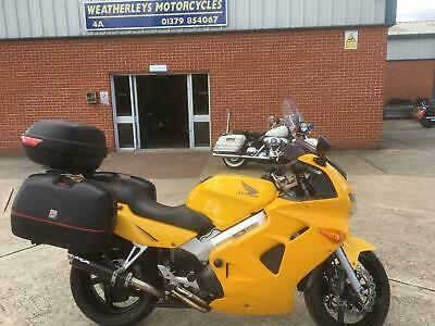 Honda VFR800F IN GOOD CLEAN TIDY CONDITION.RUNS & RIDES GOOD.SERVICE BOOK.