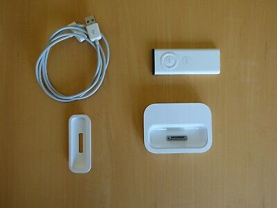APPLE iPod Docking and Charging Unit A1153 with included no.10 cradle and remote