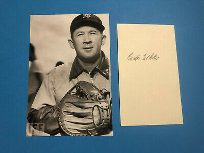 Birdie Tebbetts (Professional Baseball Player, Manager, Scout) Signed Card