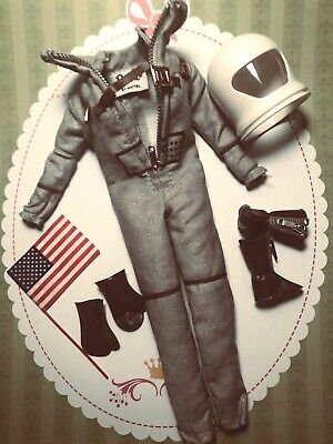 `Barbie Vintage Repro  MISS ASTRONAUT FASHION ONY-Complete REPRODUCTION