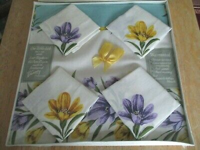 UNOPENED VINTAGE IRISH FLOWERY TABLECLOTH AND 4 NAPKINS BY DUNMOY Still Sealed