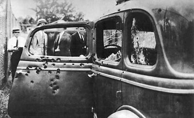 Genuine Bonnie & Clyde Death Car On Display Publicity Photo