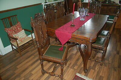 Beautiful Carved Solid Oak Louis XV style Extending Dining Table & 6 Chairs