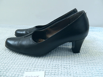 0f75aa4f USED CABIN CREW Shoes - $6.35 | PicClick