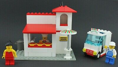 LEGO Minifigure Food TAN Quarter with Pizza Slice Restaurant City Town