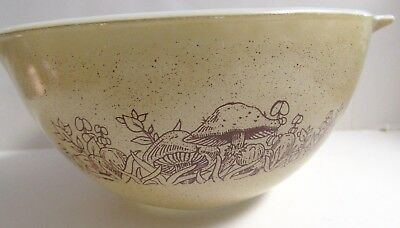 PYREX FOREST FANCY • NESTING BOWL CINDERELLA HANDLES • #441 750ml MUSHROOMS