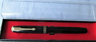 4 - Very Nice Vintage Parker Vacumatic F'tain Pen - Black With Gold Fit & Trim.