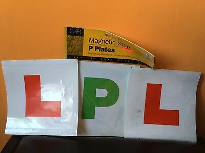 2 x magnetic Green P Plates (new)  and 2 x magnetic Red L learner Plates (used)