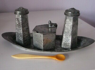 English Arts & Crafts Hammered Pewter 3-Piece Cruet & Tray CRAFTSMAN Sheffield
