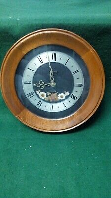 Vintage Metamec Wall Clock  Battery Powered country cottage style