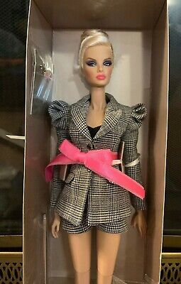 NRFB Luxuriously Gifted Natalia (Luxe Life 2018 Convention) Integrity Toys