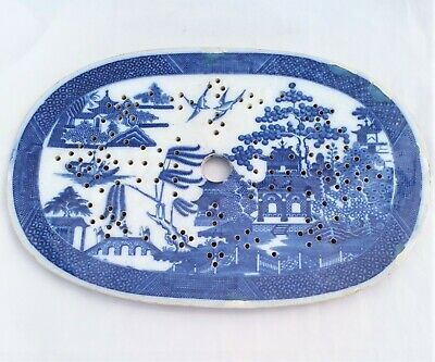 Antique Pearlware Blue and White Meat Drainer Standard Willow Pattern c 1820 30