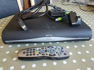 SAMSUNG SKY+ HD BOX WITH WiFi Adapter PLUS REMOTE CONTROL