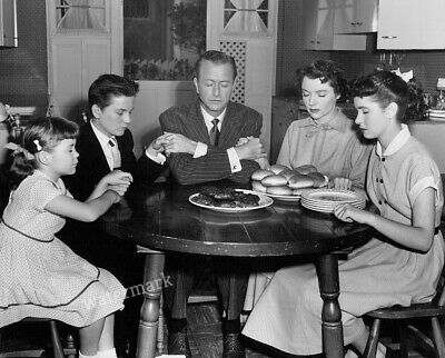 50'S-60'S Fathers Knows Best Tv Show Cast Family Thanksgiving Publicity Photo