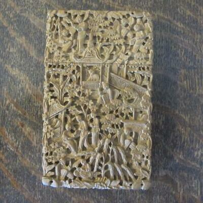 ANTIQUE 19thC CHINESE DEEP RELIEF CARVED SANDALWOOD VISITING CARD CASE