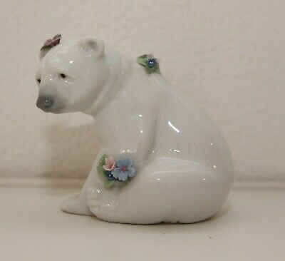 lladro 6356 polar bear seated with flowers very rare mint condition