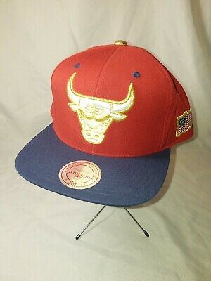 competitive price 90d98 6f303 NBA Chicago Bulls Mitchell   Ness Red Blue Gold USA Flag Snapback Hat Cap