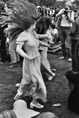 2 Women Dancing At Woodstock 50Th Anniversary Aug 16 1969 Publicity 5 X 7 Photo