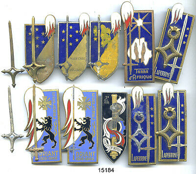 15184 . Lot De 10 Insignes   Promotions