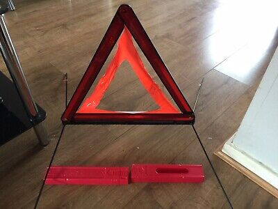 AUDI A6 C6 Saloon 2010 HAZARD WARNING SIGN TRIANGLE 8T0860251  8T0 860 251