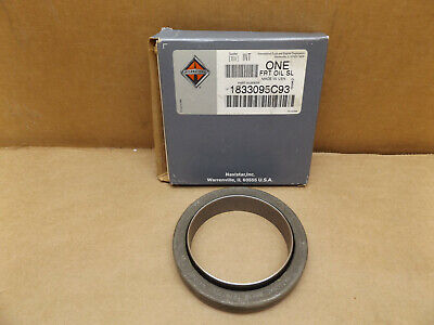 International 1833095C93 Navistar Front Crankshaft Oil Seal  for DT466, T444E