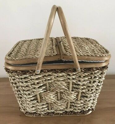 VTG PICNIC BASKET Wicker Sewing Rattan Lined Top Open Handle Large Camping