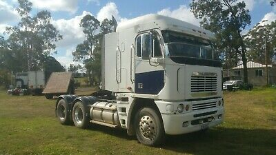 Freightliner 2001 Argosy 90. 90T road train rated tipper Hydraulics..