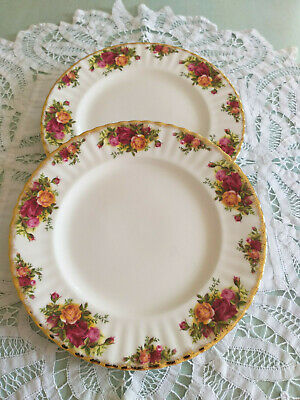 """PAIR OF ROYAL ALBERT  'OLD COUNTRY ROSES'  10 1/2""""   1st QUALITY DINNER  PLATES"""