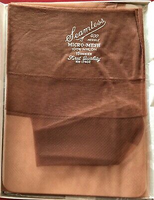 Vintage Araline Sheer RHT 100/% Nylon Stockings 15 Denier Size 9.5 White