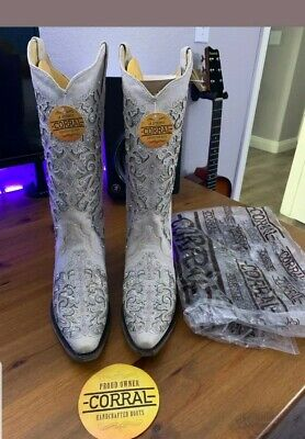 ebe56d2a5e16 Size 8 W | Corral Women White Glitter Inlay Boots and Crystal Wedding Boots
