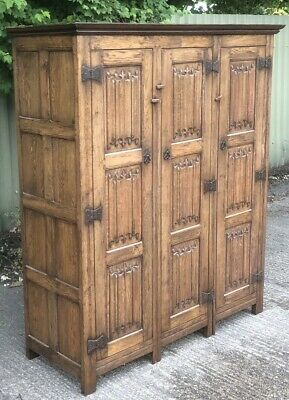 Rare Small Tichmarsh & Goodwin Oak Arts & Crafts 3 Door Wardrobe 2 Man Delivery