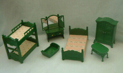 Sylvanian Families - 80s green bedroom furniture - bunks dressing table wardrobe