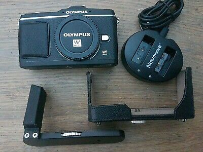 OLYMPUS PEN E-P2 12.3MP BODY Micro 4/3 MIRRORLESS LEATHER HALF CASE & METAL GRIP