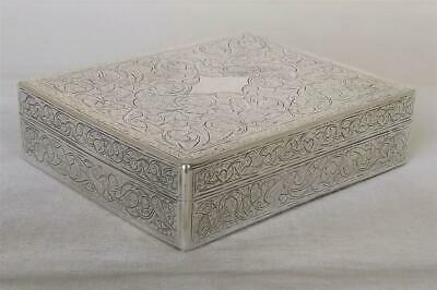 A SUPERB SOLID SILVER ENGRAVED EGYPTIAN CIGARETTE TRINKET BOX WEIGHS 268 grams.