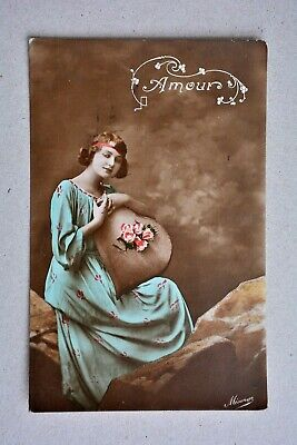 Vintage/Antique Postcard, French Amour Love Heart Glamour Flapper Girl 1920s?