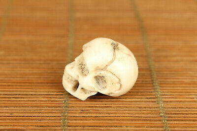Mini chinese old deer horn hand carved skull bead statue figure collectable