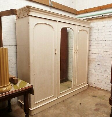 Victorian triple pine wardrobe in old paint. With drawers and slides.