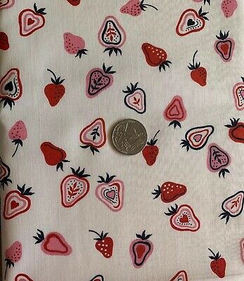 """Vtg 30s 40s Cotton Fabric Red,Pink & White Strawberries 35.5""""W S To S By 37.5""""L"""