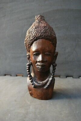 An African carving warrior bust of exceptional quality perfect Mid Century decor