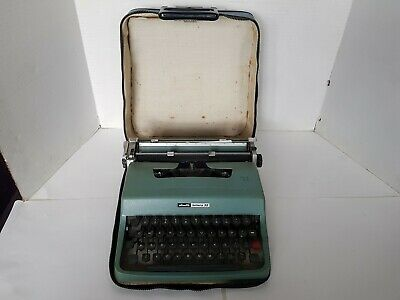 Vintage Olivetti Lettera 32 Typewriter with Case - Made in Barcelona