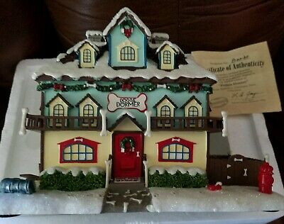 Rudolph Christmas Village.Hawthorne Village Rudolph S Christmas Town Santa And Mrs