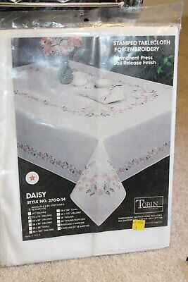 """Stamped Tablecloth for embroidery Daisy Flowers 50 x 70"""" Oblong white Tobin"""