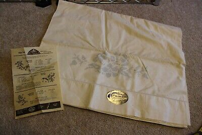 """Pair Stamped Pillow Cases for embroidery Daisy Flowers 42x36"""" white 100% cotton"""