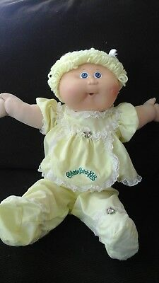 vintage cabbage patch *1985 blond hair  &  blue  eyes
