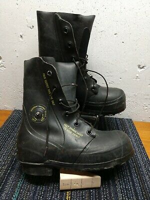 Vintage BATA Military Airborne Mickey Mouse Boots Extreme Cold Black Size 8R EUC