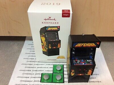 Defender Hallmark Ornament 2019 New Midway Classic Arcade With Sound & Lights