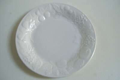 """Gibson Design China Fruit Grapes Pears Apples white 8"""" Cereal Salad Soup Bowl"""