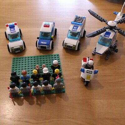 Lego city police custom bundle 6 vehicles and 17 minifigures + 2 dogs