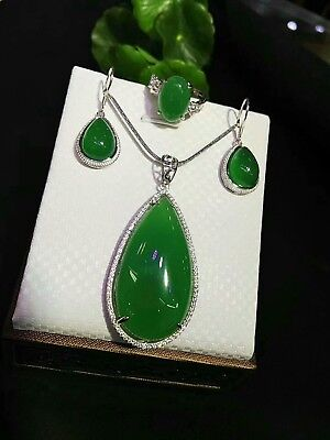 China Beautiful Natural Green Three-piece Jade Hand-carved Lucky Jadeite Pendant